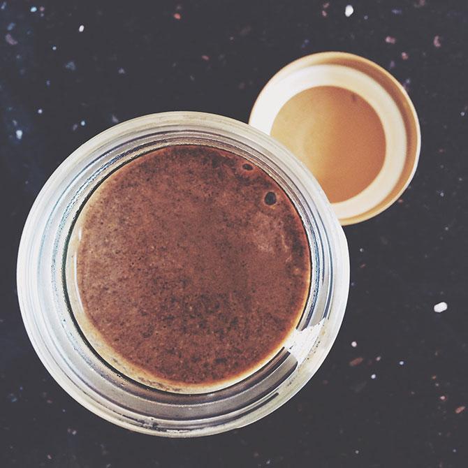cinnamon bun protein smoothie