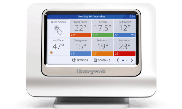 Honeywell Evohome smart thermostat and smart TRV