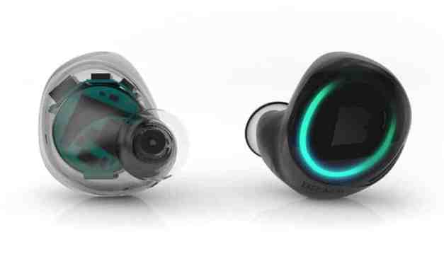 CES 2015: Bragi Dash Headphones – Truly wireless headphones.
