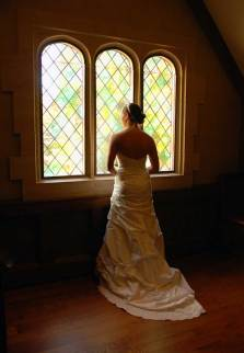1-W-oshkosh-wi-wedding-photographer-paine-art-center-bride