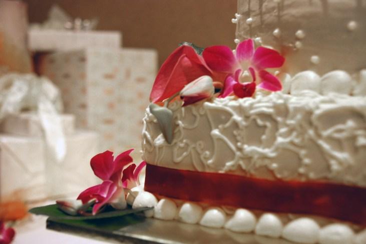 W-wedding-cake