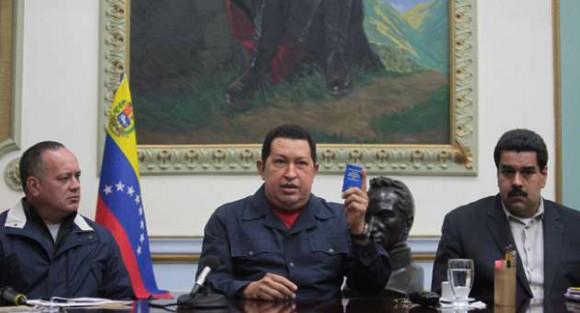 hugo-chavez-junto-al-vicepresidente-venezolano-nicolas-maduro-y-a-diosdado-cabello-presidente-de-la-asamblea-nacional-de-venezuela-autor-prensa-presidencial-580x313