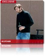 Ο Aston Kutcher με την στολή του Steve Jobs