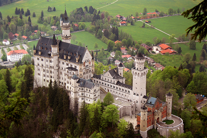 Neuschwanstein Castle. (Image source: WikiCommons.)