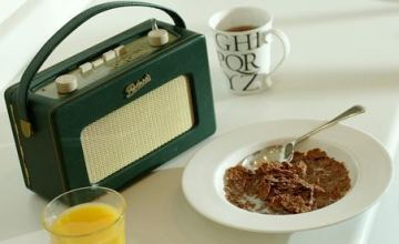 Listening-to-the-radio-wh-002