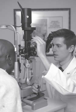 eye-care-specialists-eye-testing