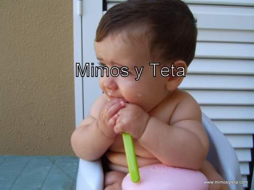 Iker con 6 meses y 2 días comiendo su 1ª y única papilla...