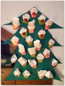 El árbol de Navidad de Samuel y Héctor de las manitas de Cari