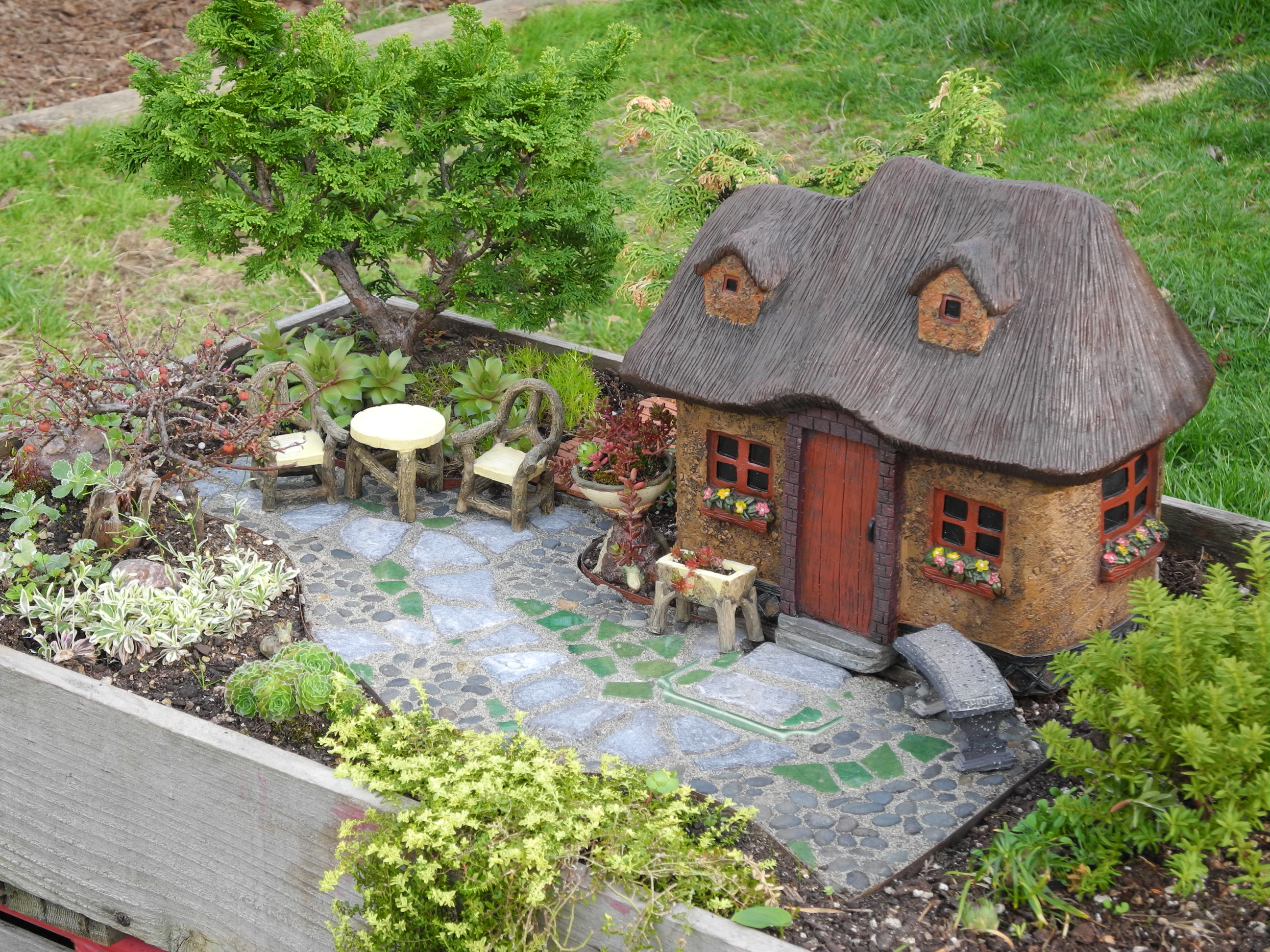 Fantastic Design It As You Would Houses Will Need A Clear Foundation Area From Made A Pathwayto Fairies Miniature Garden Society When Building A Fairy Garden curbed Fairy Garden Houses