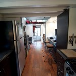 It's a full on kitchen with no exceptions made, extremely well done, I want to cook here! :)
