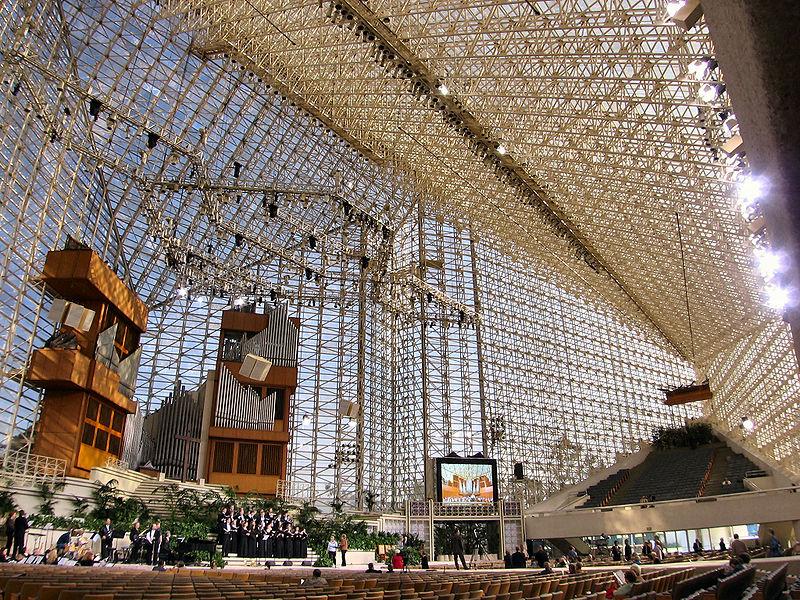 'Iglesia de vidrio' del telepredicador Robert Schuller. / Nepenthes