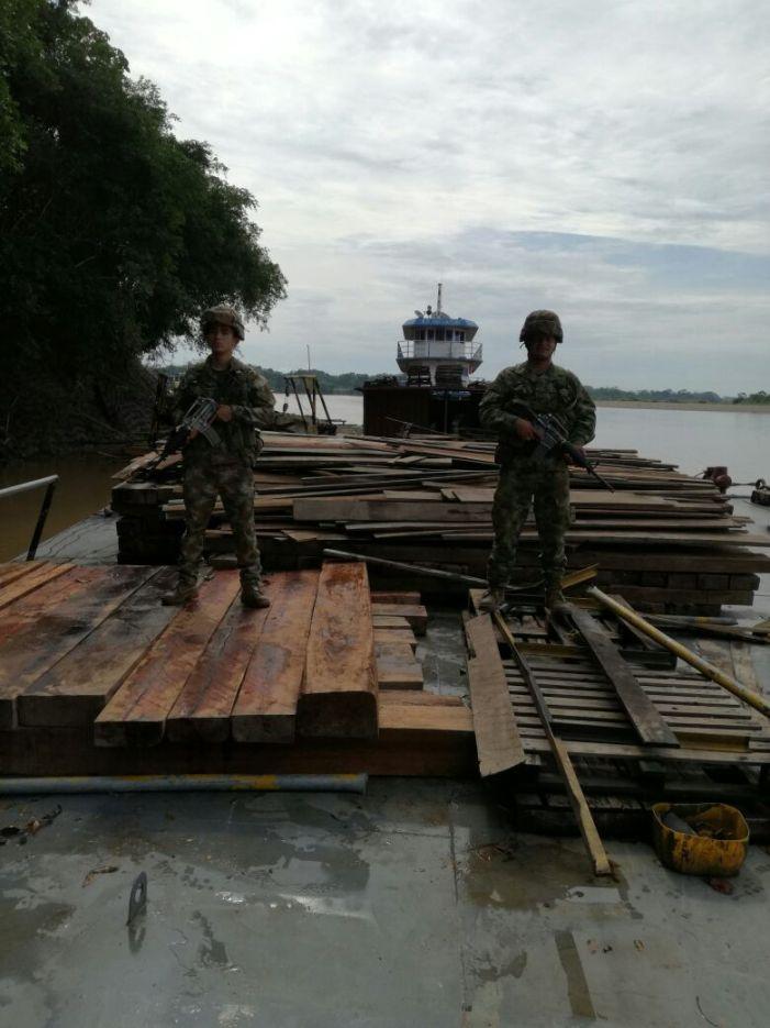 Armada Nacional incauta madera ilegal en Putumayo y Caquetá