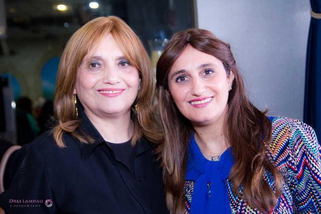 עם אמי היקרה שתמיד מעודדת ודוחפת קדימה