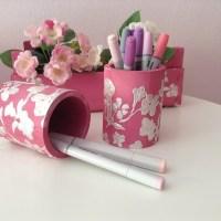 Porta-lápices decorado con motivos florales en pasta color 3D