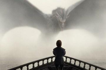 시즌 5의 공식 포스터 중 하나였던 여기에 등장하는 용은 대너리스의 드로곤이다.