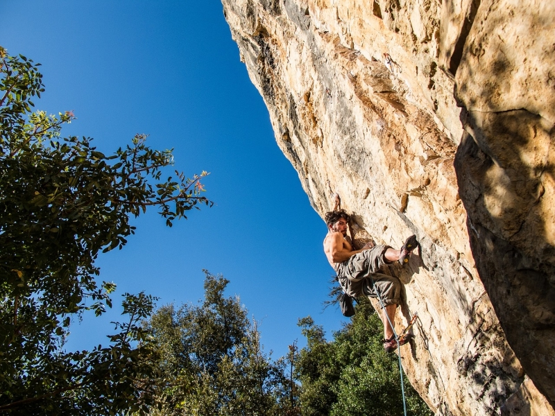 rock-climbing-690674_1280