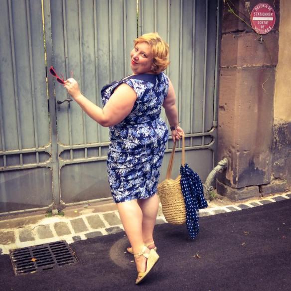 MissKittenheel Eiffeltower Dress LindyBop Vanessa Navy Selestat 06