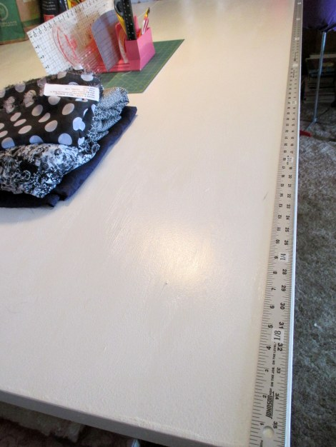 Cutting table yardsticks