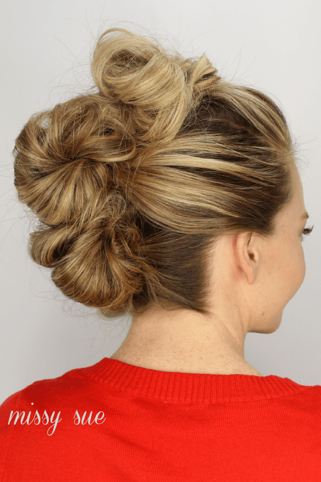 how to put up hair in a messy bun