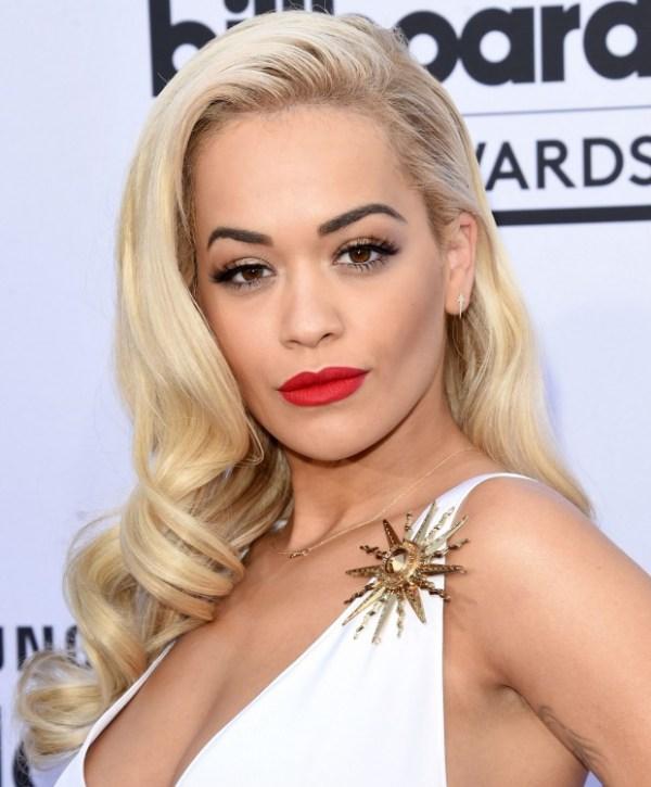 Maquiagem das famosas tapete vermelho red carpet Rita Ora