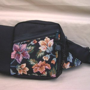 tapestry-purse-1-bottle-water-carrier-pack-black-roses