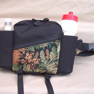 tapestry-purse-2-bottle-water-carrier-pack-black-maple