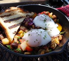 Veggie hash with poached eggs