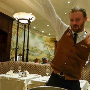 Beverly Hills' Lawry's Prime Rib: The Taste Is in the Silver Cart