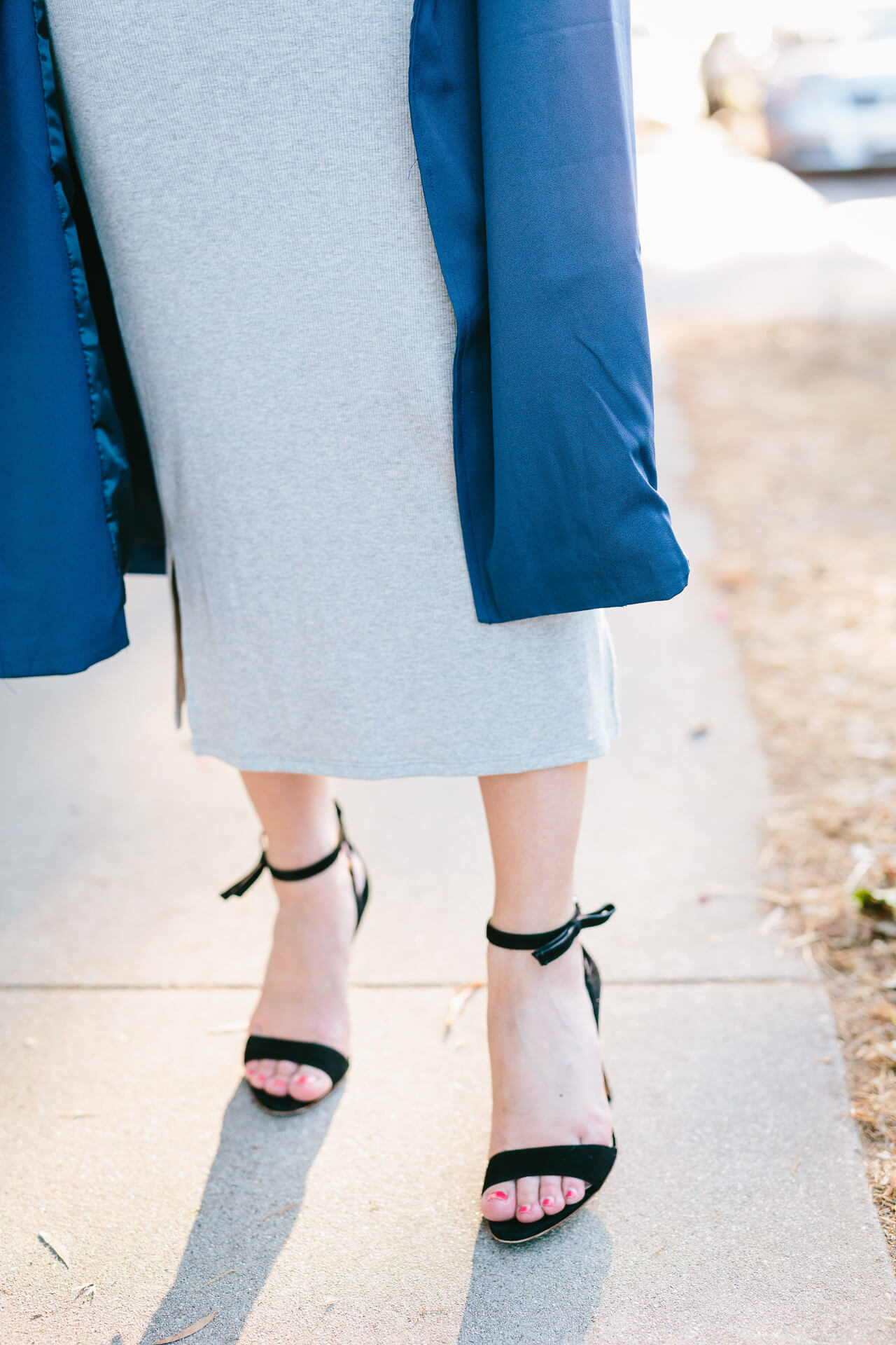black steve madden sandals with bow accents