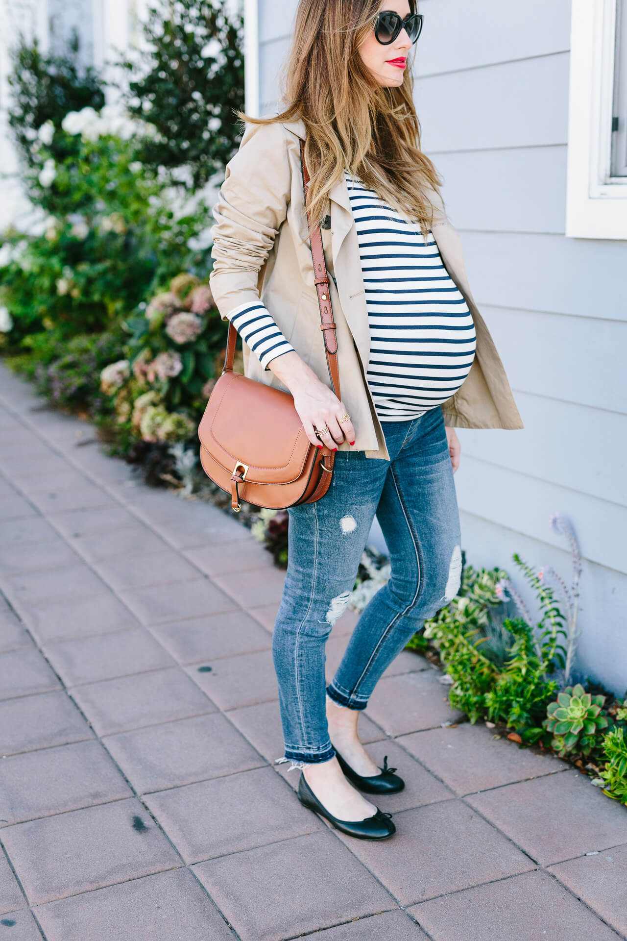 cute maternity outfit inspo