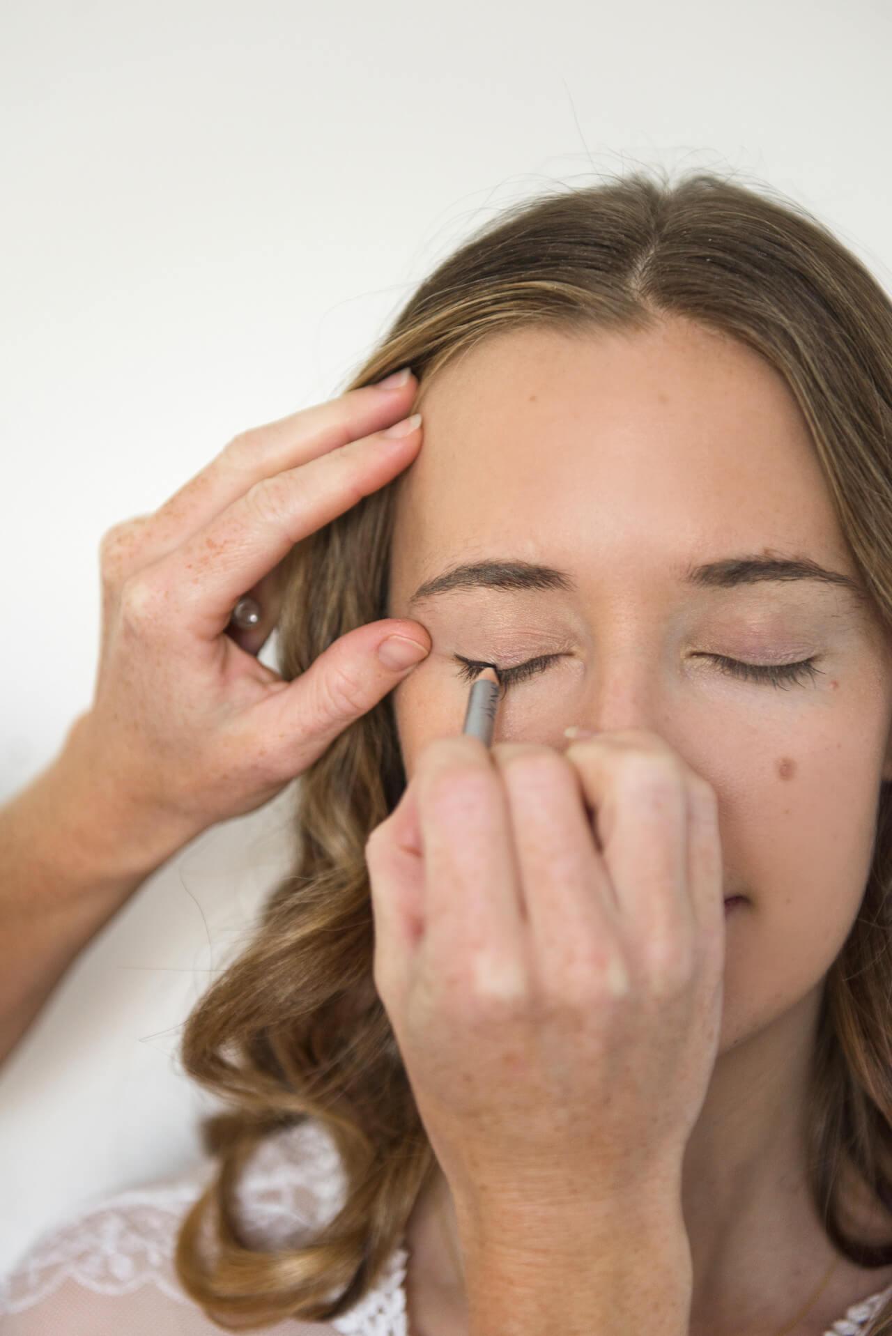 tips for applying eyeliner
