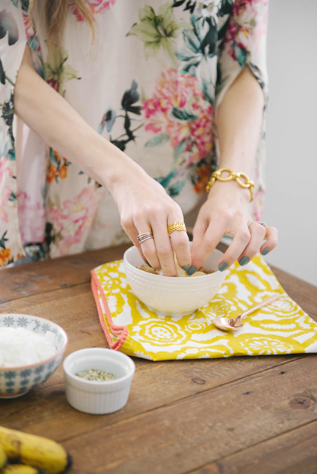 making a healthy quinoa breakfast bowl