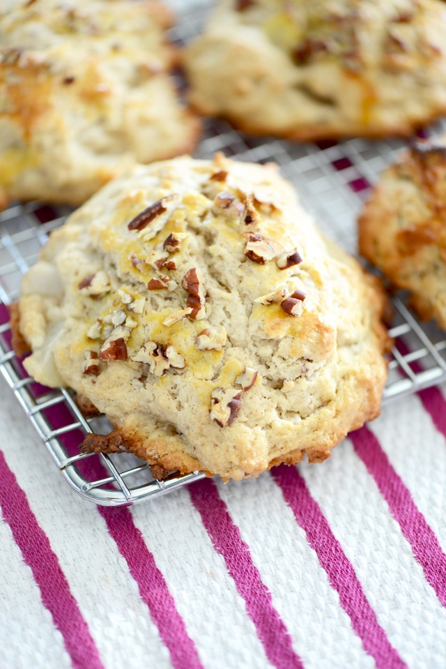 delicious Pear Maple Scone Recipe with Pecans from M Loves M You have to try it! So easy and delicious @marmar