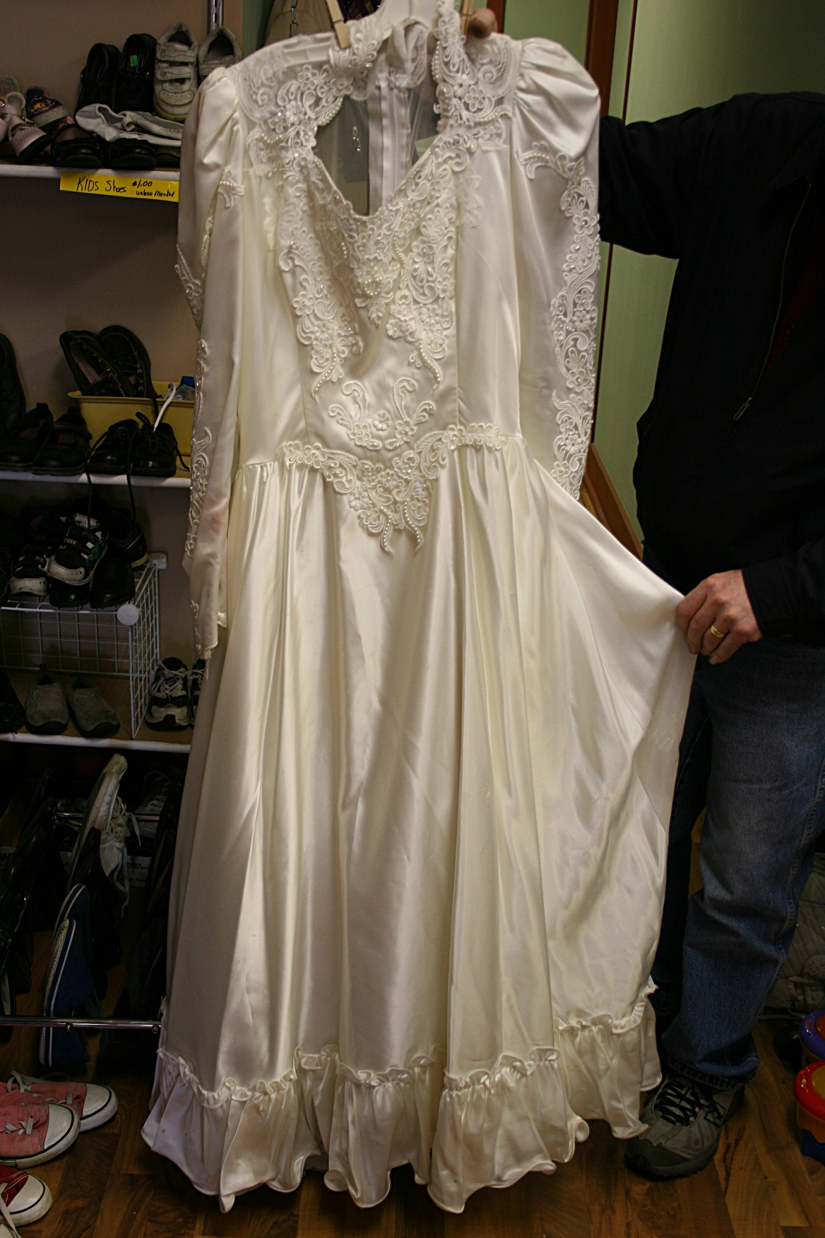 wedding dress thrift store wedding dresses stores outstanding From Halloween to prom to costume parties thrift stores are veritable treasure troves for those on the hunt for unique fashion choices But many