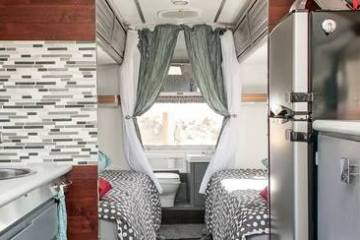 1976 Argosy Airstream Camper Remodel (Interior updates)