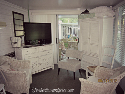 Mobile home decorating beach style makeover for How to decorate a mobile home living room