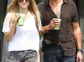 *EXCLUSIVE* Richie and Ava Sambora cool off in Calabasas