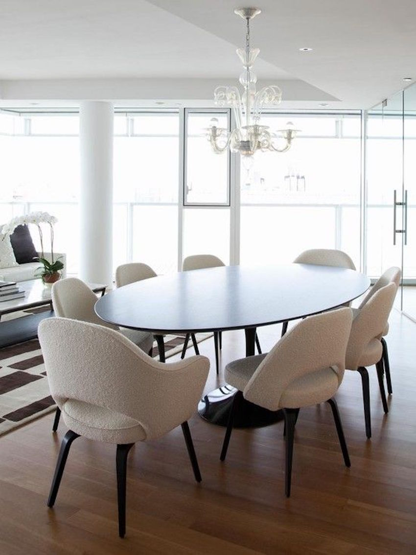 15 Supreme Oval Dining Table for Your Modern Dining Room 6