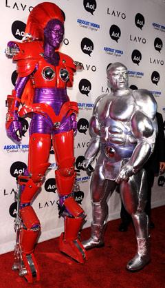 heidi-klum-alien-transformer-seal-silver-surfer