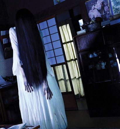 sadako-vs-kayako-still
