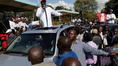 كينيا تحظر احتجاجات المعارضة ضد لجنة الانتخابات مع تصاعد العنف