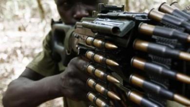 جندي من القوات الأوغندية التي تطارد متمردي جيش الرب - أرشيف رويترز.
