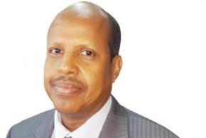 وزير خارجية جيبوتي: فتحنا مجالنا الجوي والبحري لنساهم في دحر الانقلابيين  في اليمن