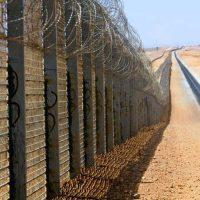 صورة الجدار الكيني على الحدود الصومالية
