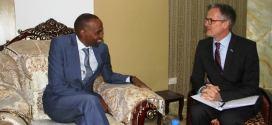 رئيس الوزراء المكلف يلتقي السفير البريطاني لدى الصومال