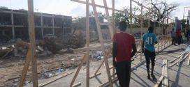 بالصور..مقديشو تلملم جراحها وتعيد بناء ما هدمه التفجير الانتحاري