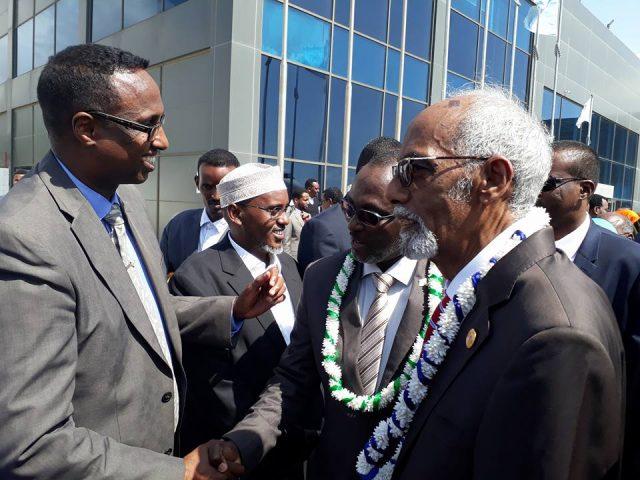 وفد من الحكومة الصومالية ودولة جيبوتي يتوجه إلى بلدوين