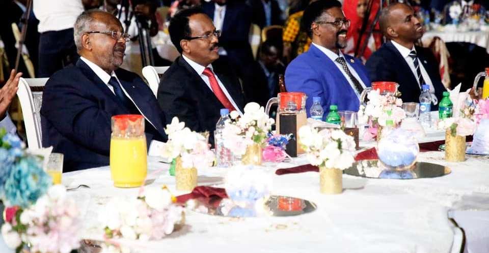 الاستقبال الحافل في مقديشو ….هل يطمئن قلب الرئيس الجيبوتي ؟