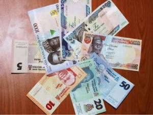 Nigerians Panic As Naira Depreciates Three Times In Six Hours!!!