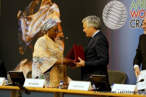 People Are Critizing Mrs Aisha Buhari For This Picture